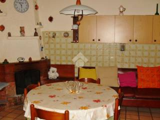 Foto - Casa indipendente via Vallone, 6, Capriglia Irpina