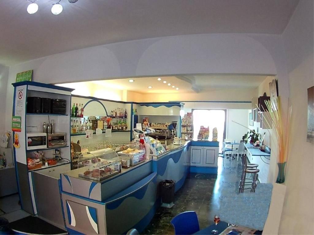 foto  Bar in Vendita a Borghetto Santo Spirito
