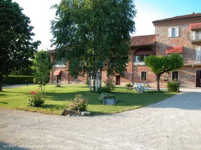 Foto 1 di Quadrilocale via grinzane, Grinzane Cavour
