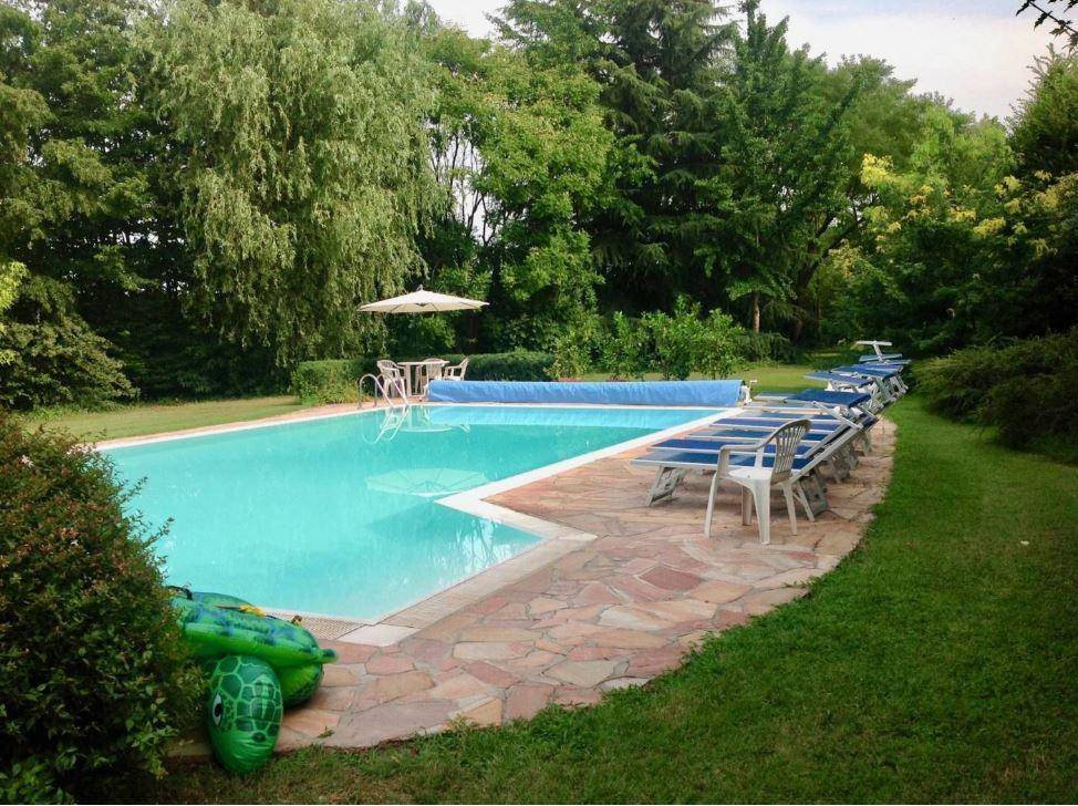 foto  Country house, excellent condition, 600 sq.m., Roncoferraro