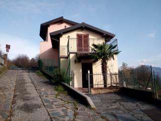 Foto - Bilocale via Zotte San Salvatore 11, Cuasso al Monte
