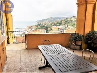 Foto - Appartamento via san leonardo, 68, Porto Maurizio, Imperia