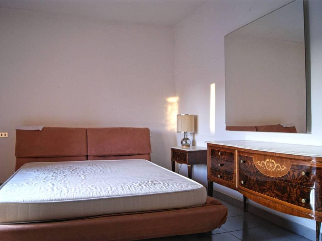 Camera Matrimoniale A Bergamo.Vendita Appartamento Bergamo Trilocale In Via Evaristo Buono