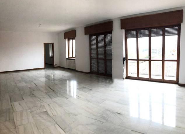 foto  Appartamento buono stato, ultimo piano, Bergamo