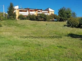 Foto - Terreno edificabile residenziale a Varano de' Melegari