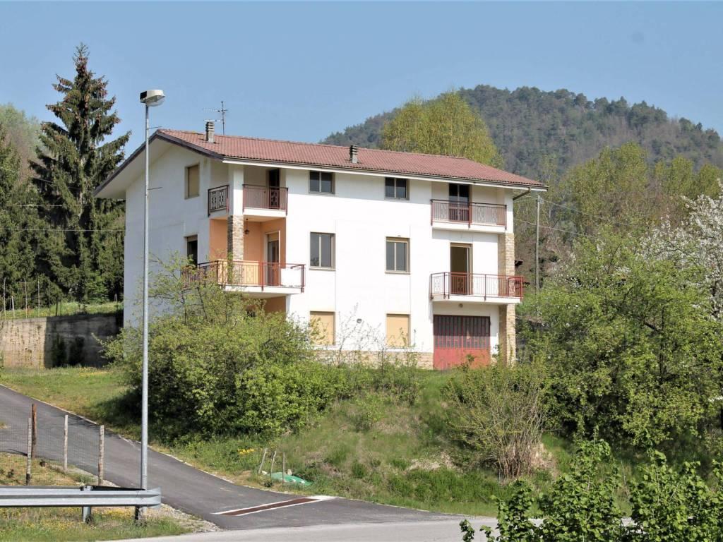 foto  Villa plurifamiliare, buono stato, 378 mq, Torre Bormida