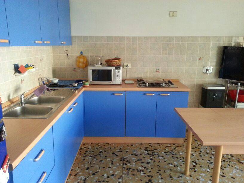 foto cucina Trilocale via Giovan Battista Quadrone, Mondovì