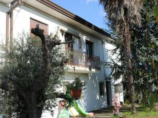 Foto - Casa indipendente via Giacomo Matteotti 6, Vescovana