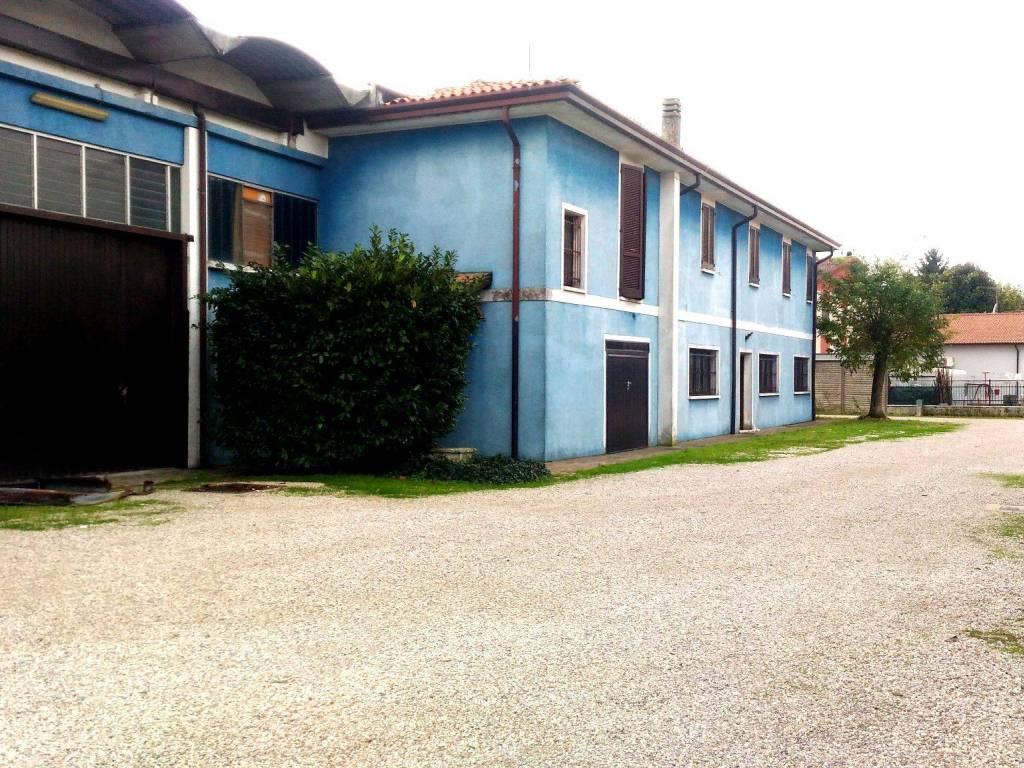 foto  Capannone in Affitto a Castellucchio