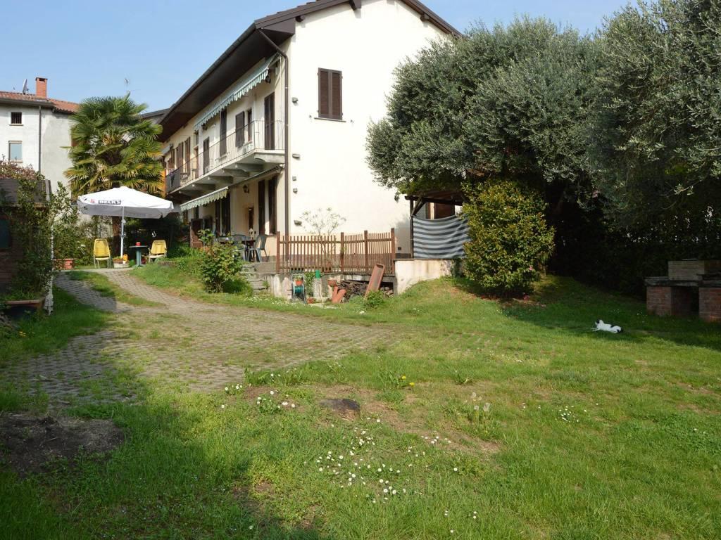 foto  Villa a schiera vicolo Cantone 38, Cadrezzate