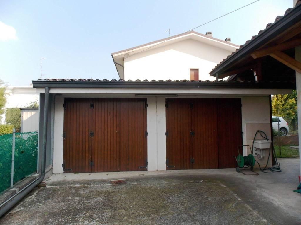 foto  Single family villa, good condition, 165 sq.m., Reggiolo