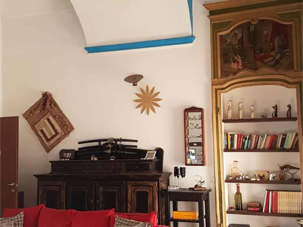 Vendita casa indipendente in via castello di miradolo san for Planimetria casa tradizionale giapponese
