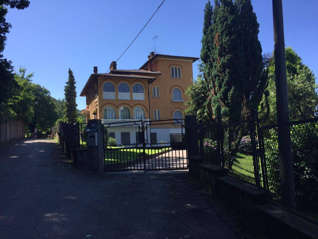 foto esterno Villa Strada Traversagna 4, Sostegno
