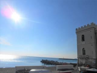 Foto - Trilocale piazzetta Tabarca, Pegli, Genova
