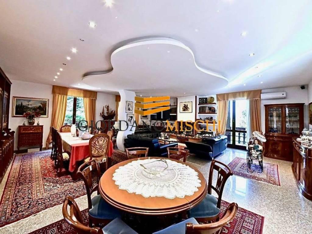 foto  Villa unifamiliare via Gaetano Besana 64, Sirtori