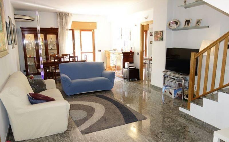foto  Appartamento buono stato, primo piano, Montalto Uffugo