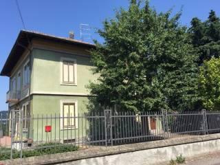 Foto - Quadrilocale buono stato, piano terra, Varano Borghi