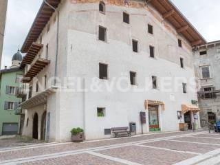 Foto - Palazzo / Stabile cinque piani, da ristrutturare, Calliano