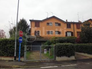 Foto - Villetta a schiera via Carlo Guzzi 17, Lavanderie, Segrate