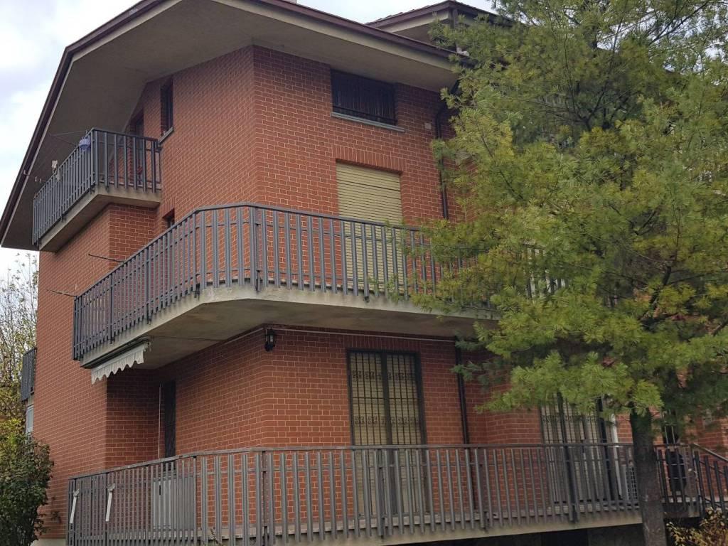 Foto 1 di Quadrilocale Via 4 Novembre44, Castagnito