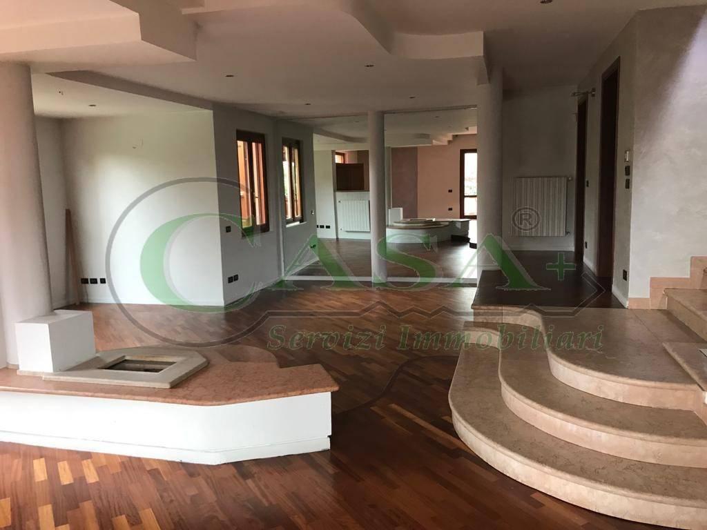 foto Villa singola Villa unifamiliare via Guglielmo Marconi 1, Pozzolengo