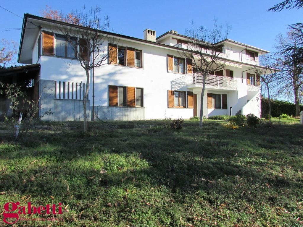 foto VILLA Multi-family villa Strada Belvedere 23, Baldissero d'Alba