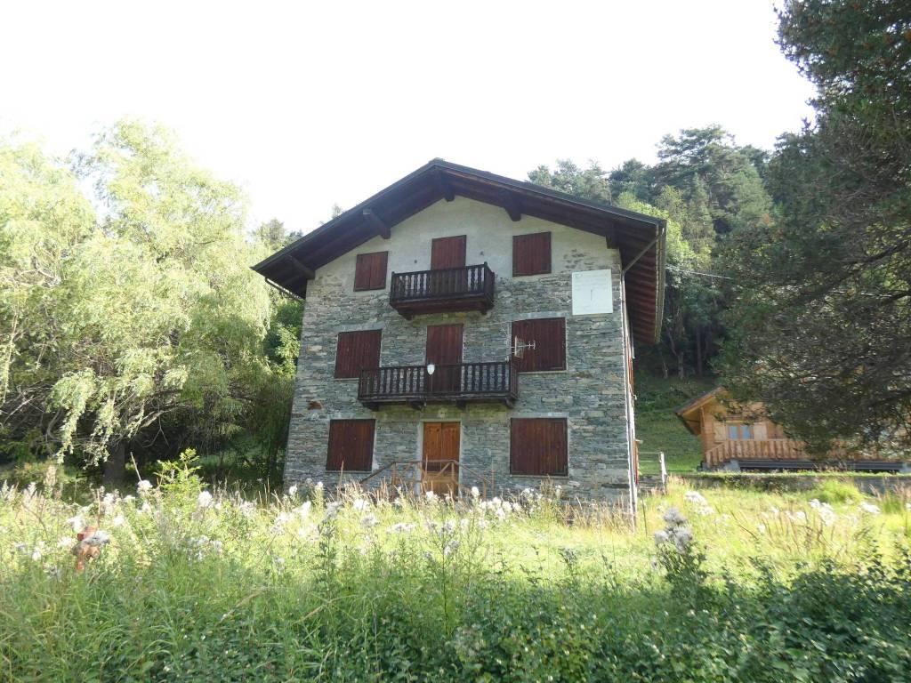 foto  4-room flat Strada Regionale della Valle d'Ayas 324, Brusson
