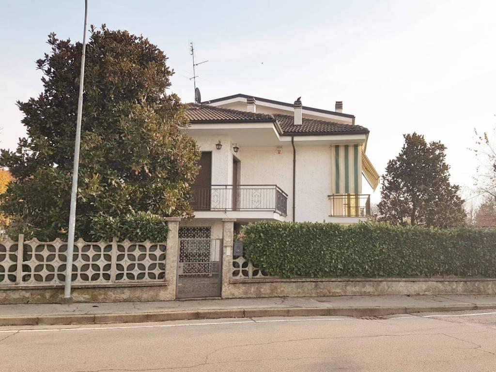 foto  Two-family villa via Roma, Candiolo