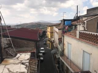 Foto - Quadrilocale via San Vincenzo 75, Maletto