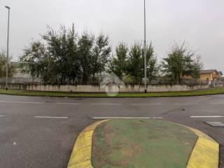 Foto - Terreno edificabile commerciale a Rudiano