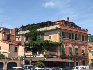 Foto - Appartamento da ristrutturare, secondo piano, Calice Ligure