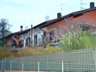 Foto - Villetta a schiera via Borghi 10, Cassinetta Rizzone, Biandronno