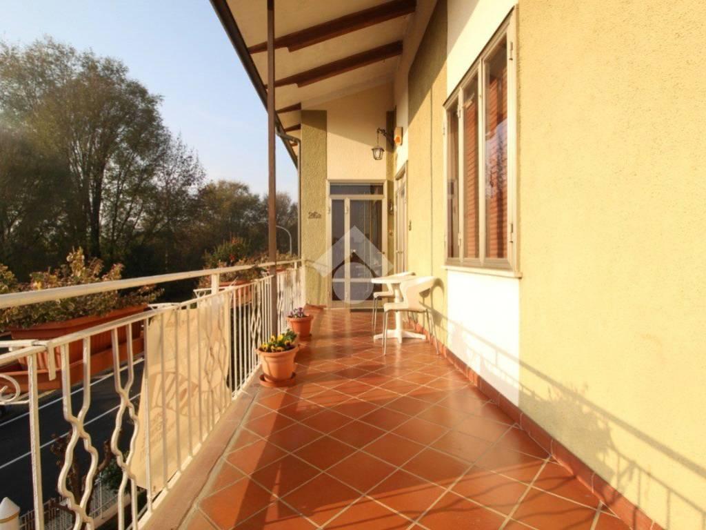 foto  Villa plurifamiliare, buono stato, 90 mq, Roverbella