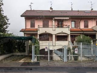 Foto - Villa via Giuseppe Gilera 40, Lavanderie, Segrate
