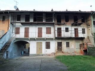 Foto - Casa indipendente 255 mq, da ristrutturare, Caravino