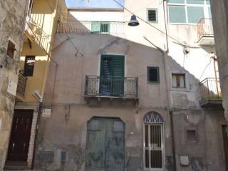 Foto - Palazzo / Stabile via Giacomo Puccini 20, Favara