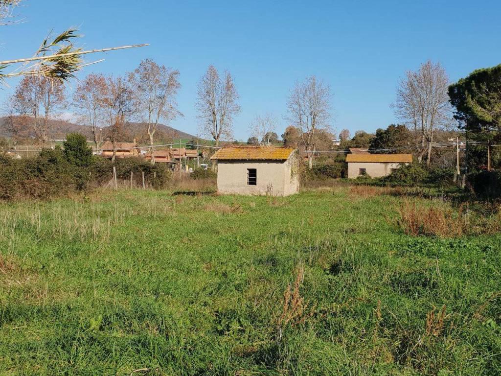 foto  Country house, to be refurbished, 57 sq.m., Trevignano Romano