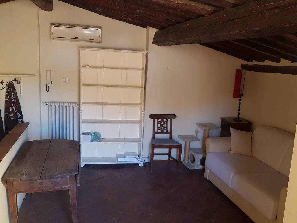 Location Mansarde In Borgo San Frediano Firenze Bon état