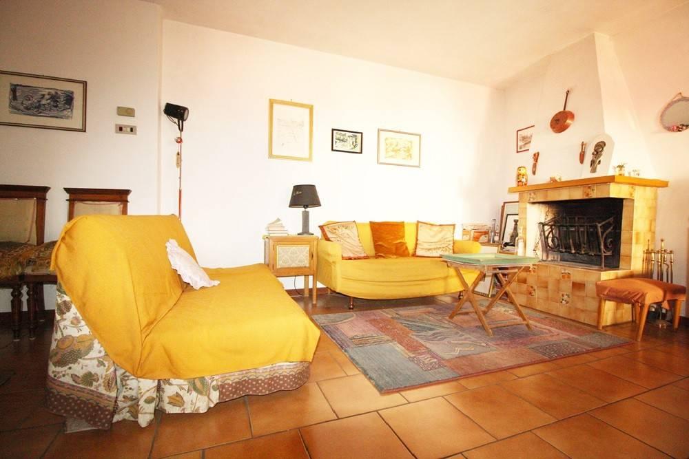 foto Soluzione Casa s.n.c. Quadrilocale buono stato, ultimo piano, Baselga di Pinè