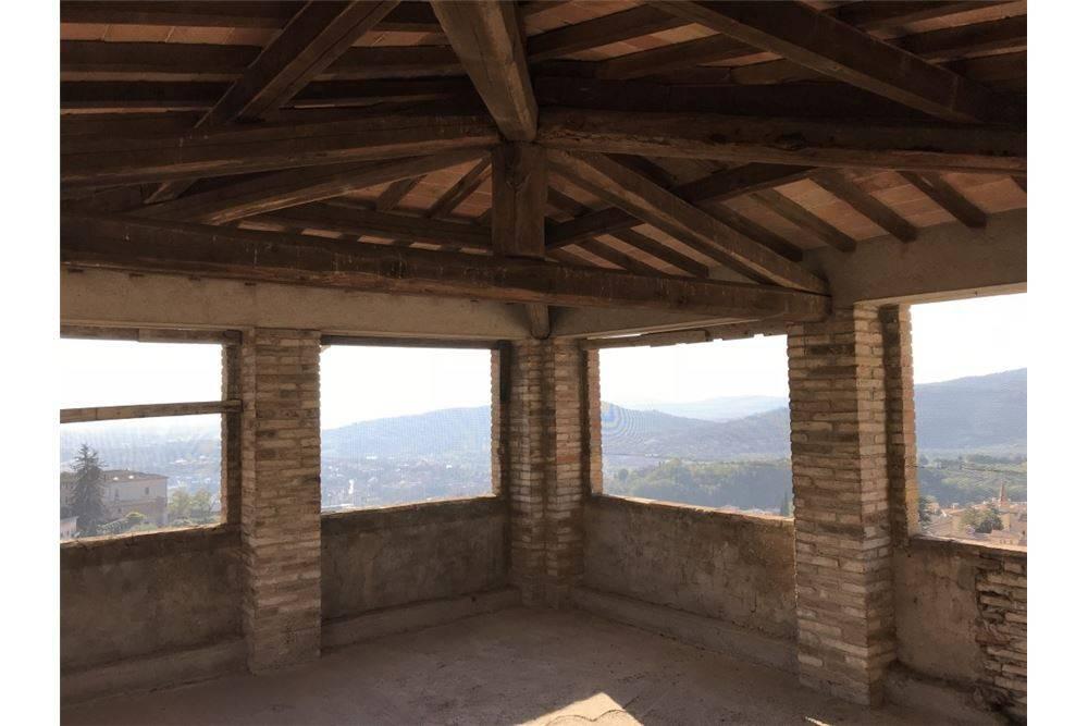 Vendita Attico / Mansarda Perugia. Terrazza, rif. 70548258