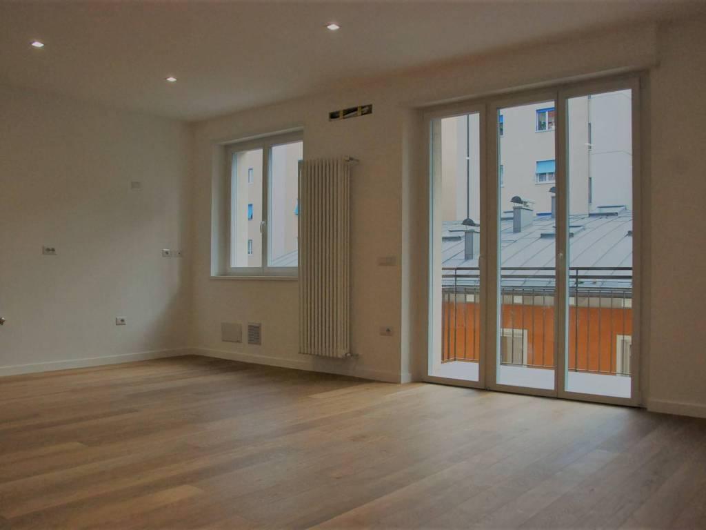 foto soggiorno Appartamento ottimo stato, secondo piano, Trento