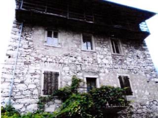 Foto - Rustico / Casale, da ristrutturare, 295 mq, Cavedine