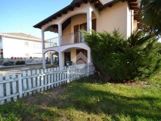 Foto - Villa a schiera via Roma 23B, Lignana