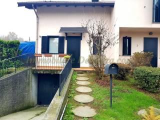 Foto - Villetta a schiera 3 locali, buono stato, Castelletto Sopra Ticino