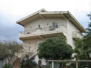 Case Piccole Con Giardino : Case con giardino in vendita barcellona pozzo di gotto
