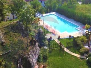 Photo - Terraced house via Cesare Battisti, Zandobbio