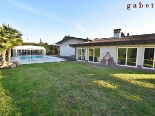 Photo - Single family villa, good condition, 250 sq.m., Vittuone