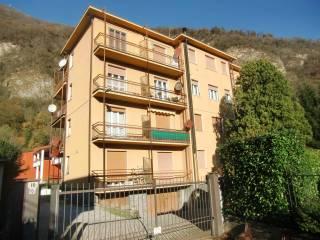 Foto - Trilocale via Alcide De Gasperi, Scarenna, Asso