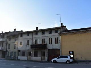 Foto - Casa indipendente 400 mq, buono stato, Chiampo