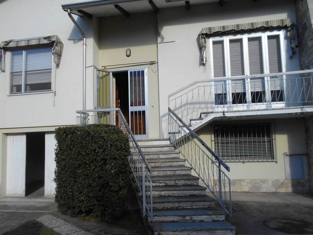 foto  Two-family villa, to be refurbished, 173 sq.m., Reggiolo